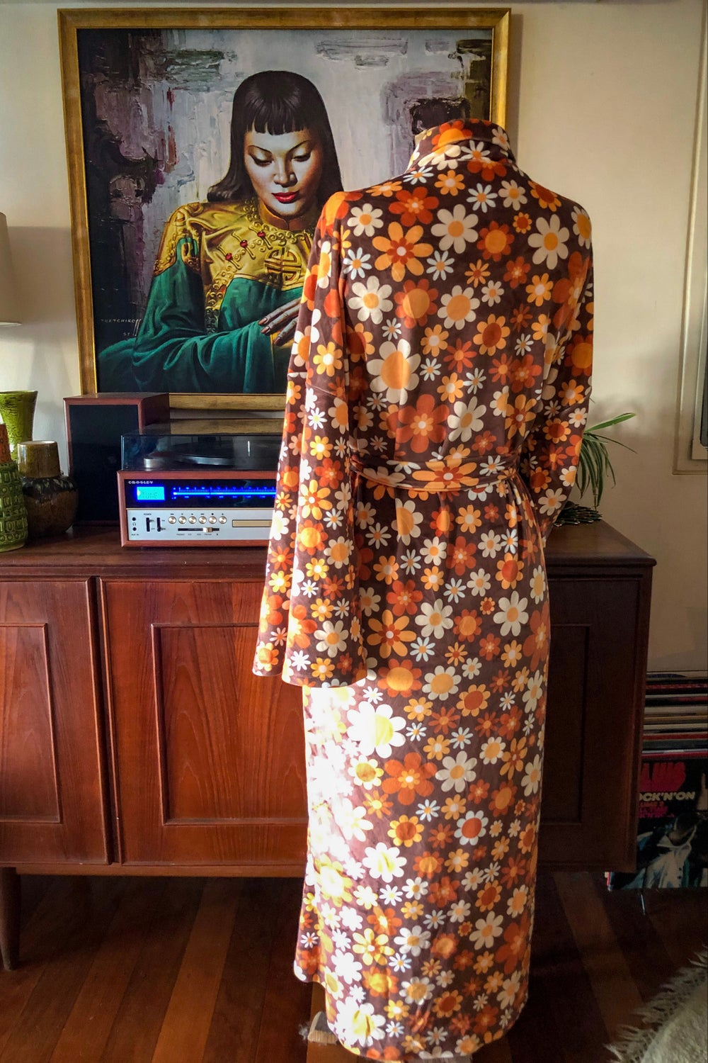 Velvet dreams robe in Sunny side up brown