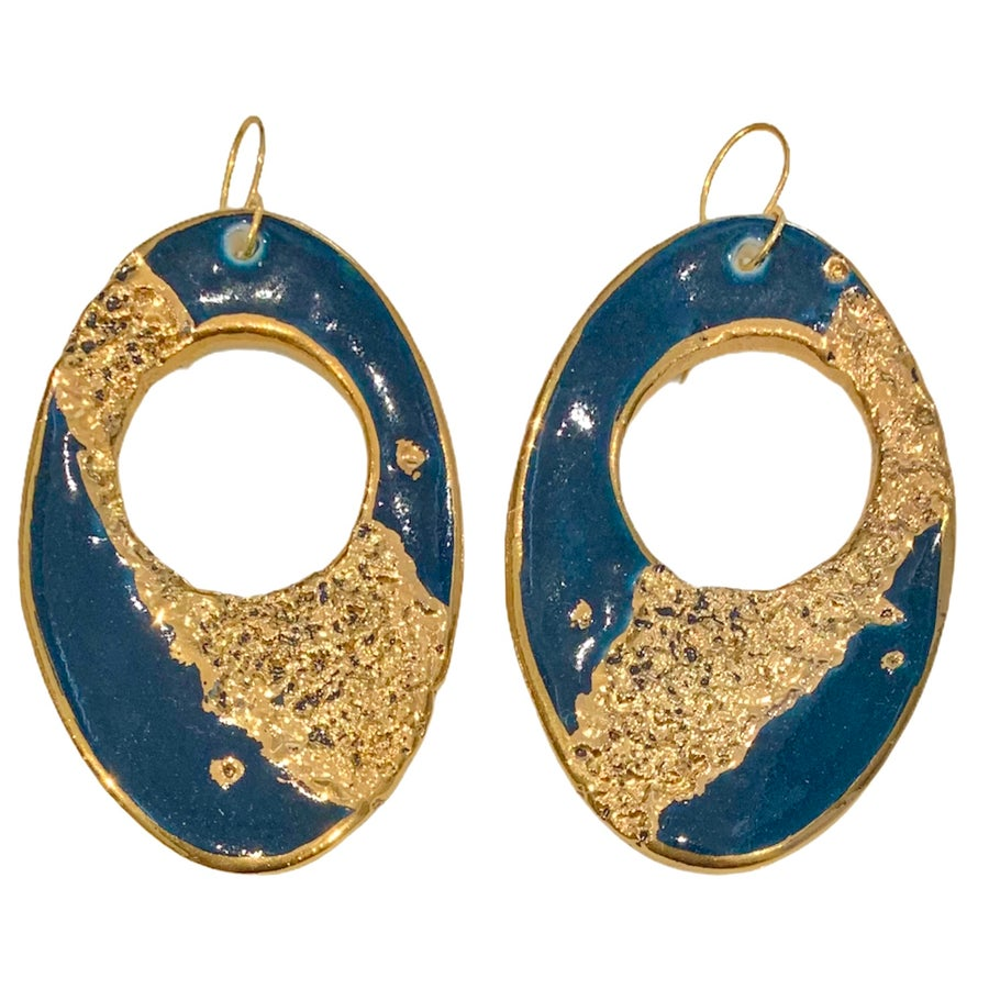 Image of Navy gold crater hoops