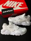 Nike Huarrache / Triple White