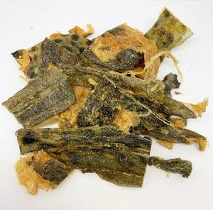 FISH SKIN TREATS 20x200g - Dried Atlantic Catfish Skins for Dogs