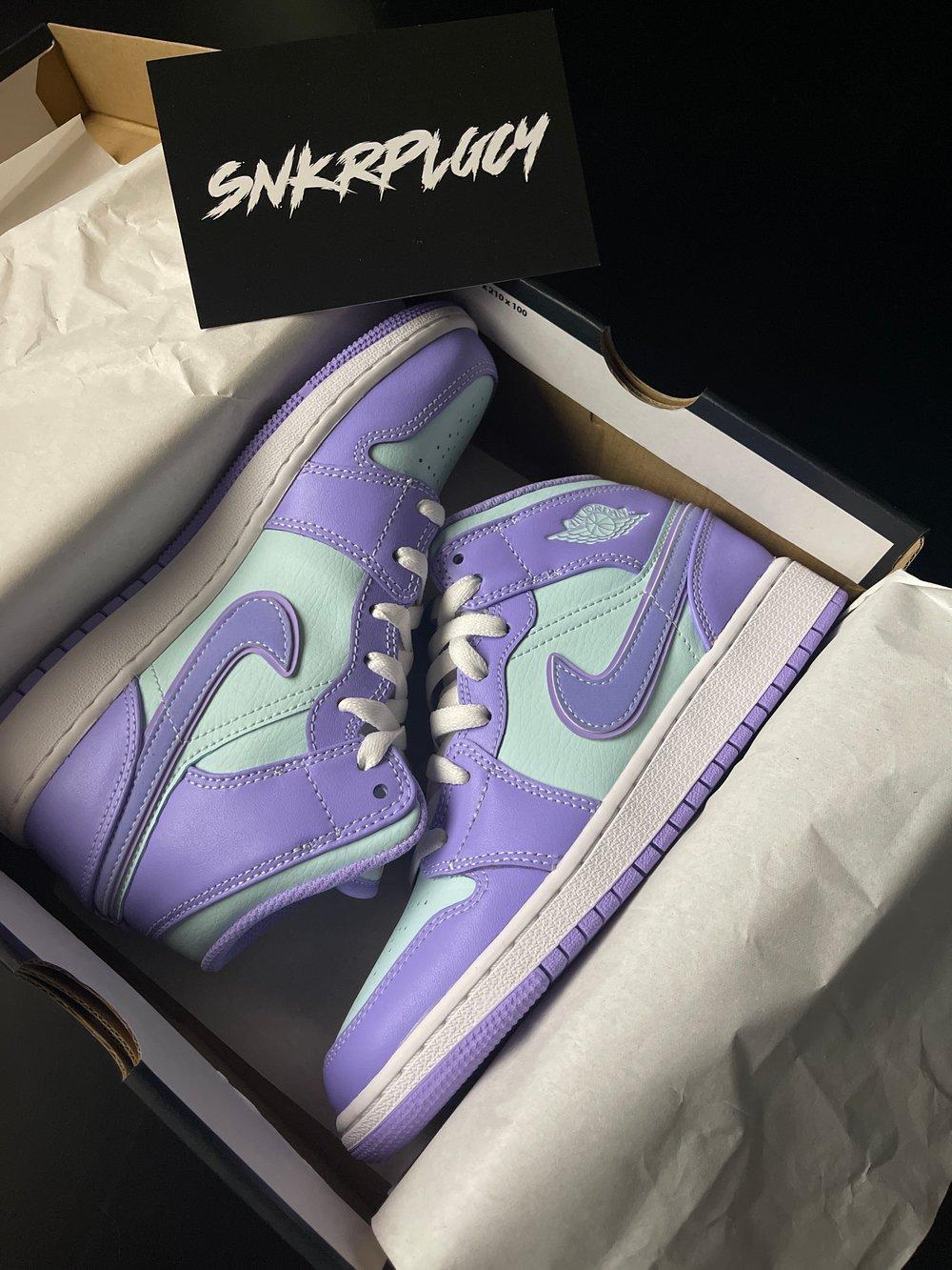 Air Jordan 1 Mid / Purple Pulse