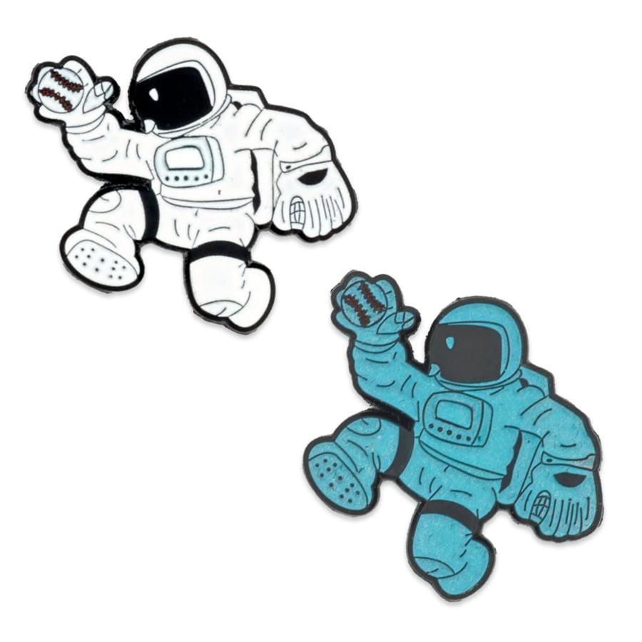 Moonwalker OG Pin