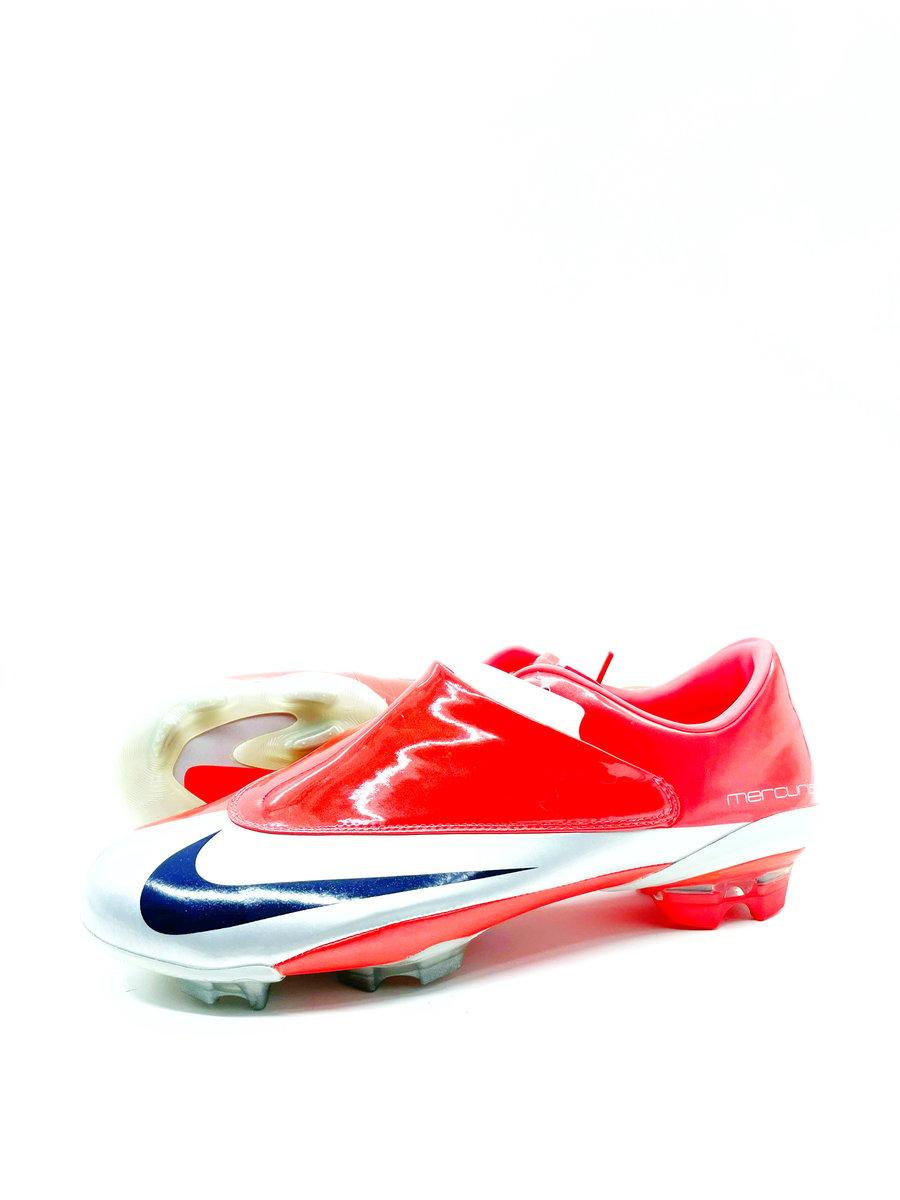 Image of Nike vapor V FG red