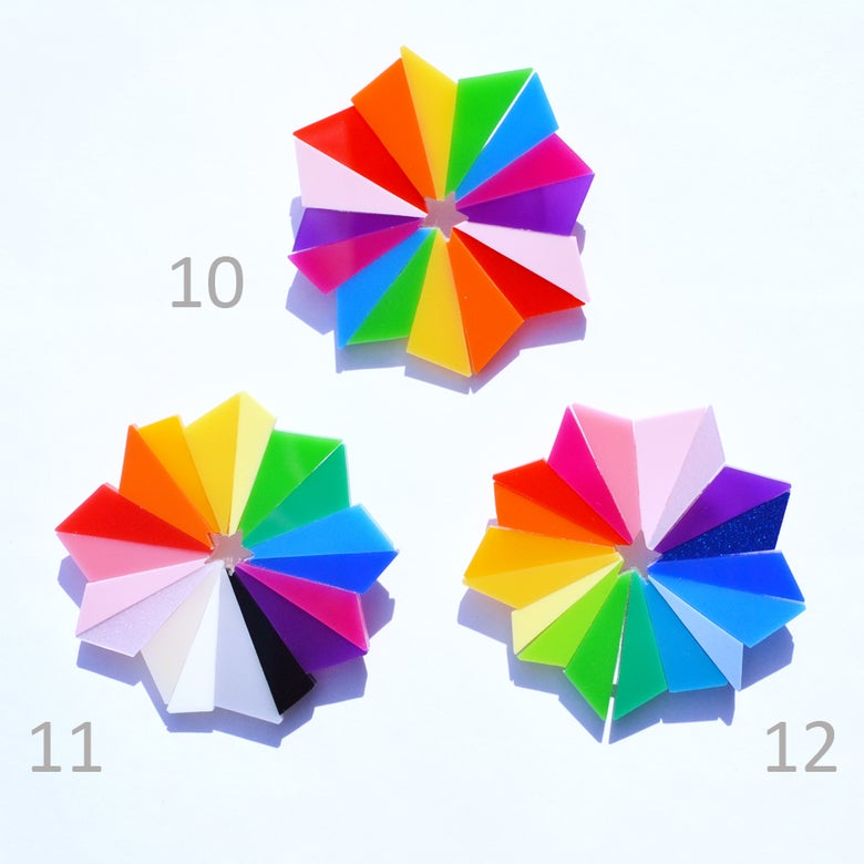 Image of Starburst Brooches 10 to 12