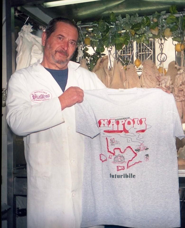 "Image of T-Shirt  ""Souvenir di Napoli"""