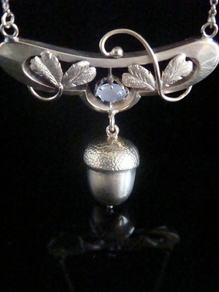 Image of Art Nouveau 15ct yellow gold acorn and moonstone necklace