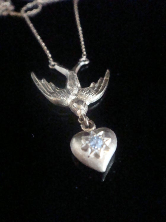 Image of Edwardian 18ct diamond swallow heart necklace