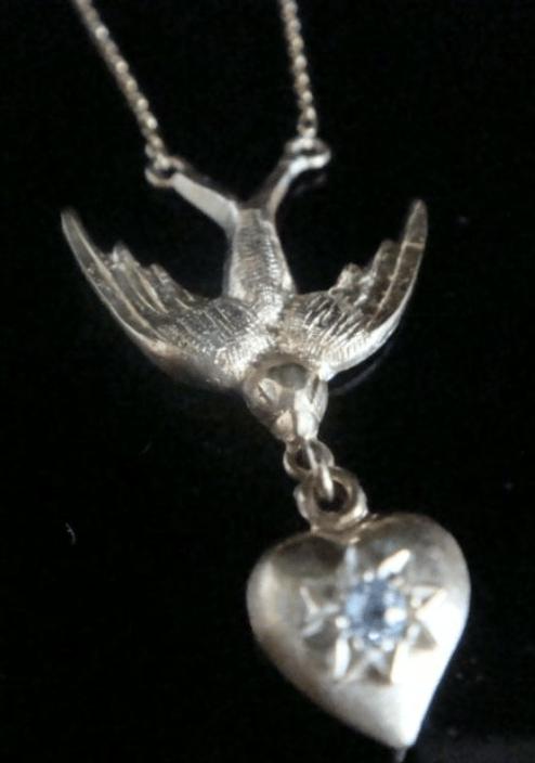 Image of Edwardian 18ct diamond swallow heart necklace