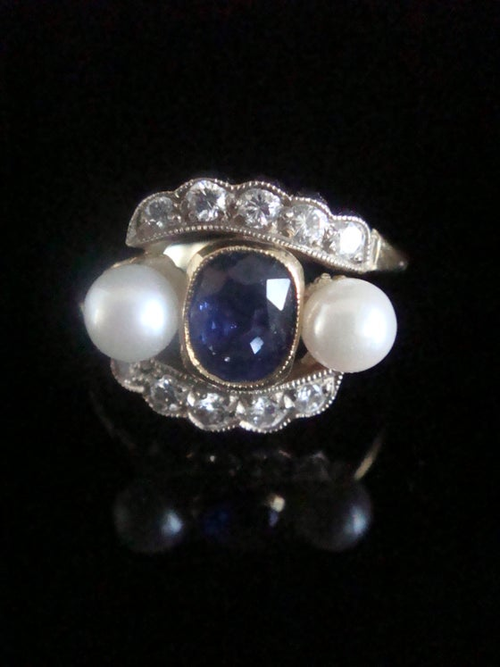 Image of Vintage 18ct yellow gold natural sapphire cultured pearl and diamond ring