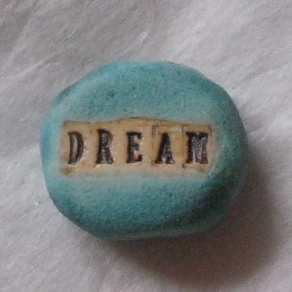 Image of word bead DREAM