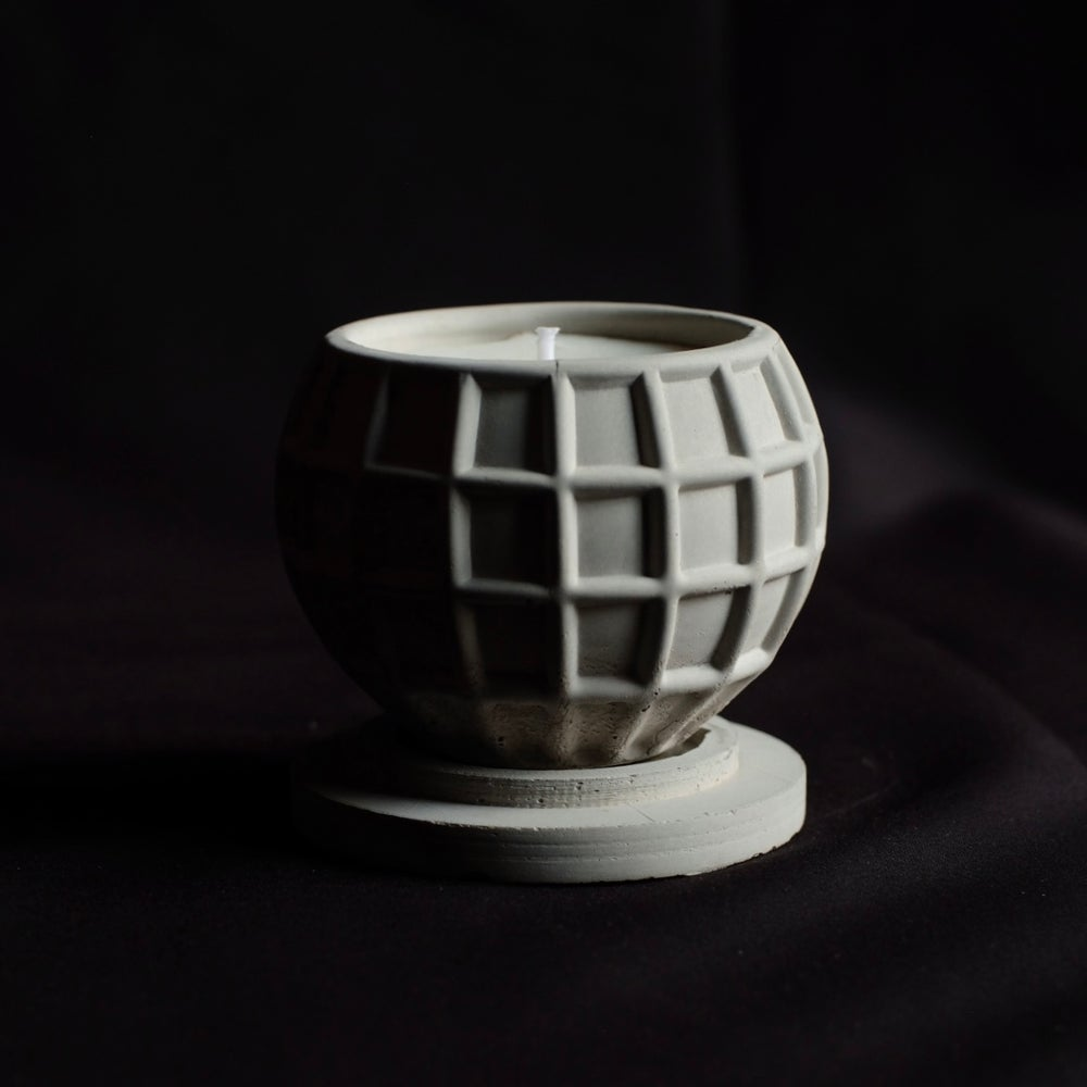 Image of SEWNSEWN - Flamie Candle (Plaid)