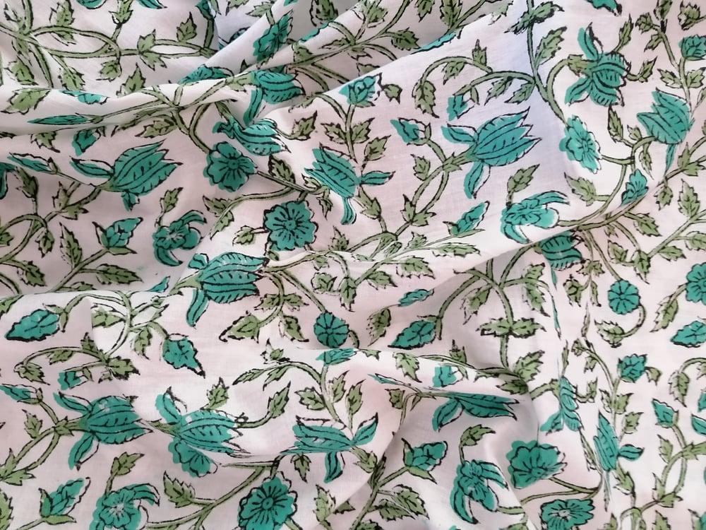 Image of Namasté fabric fleurs grimpantes vertes
