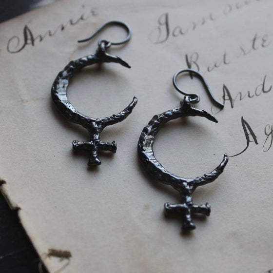 Image of Lilith Earrings