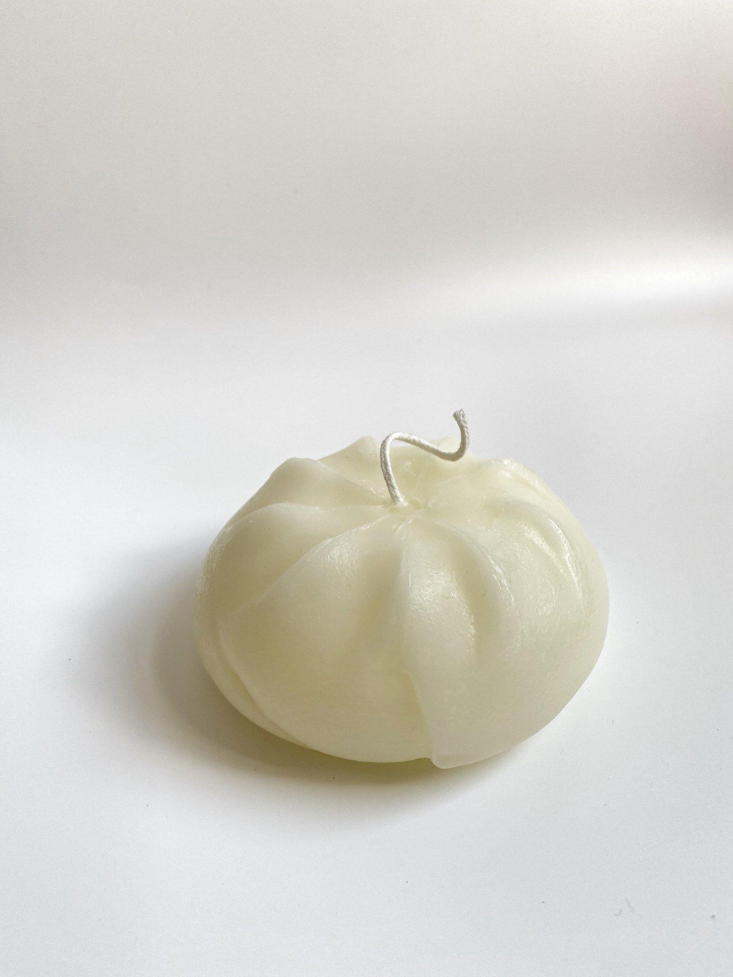 Baozi / Bánh Bao / Steamed Bun.