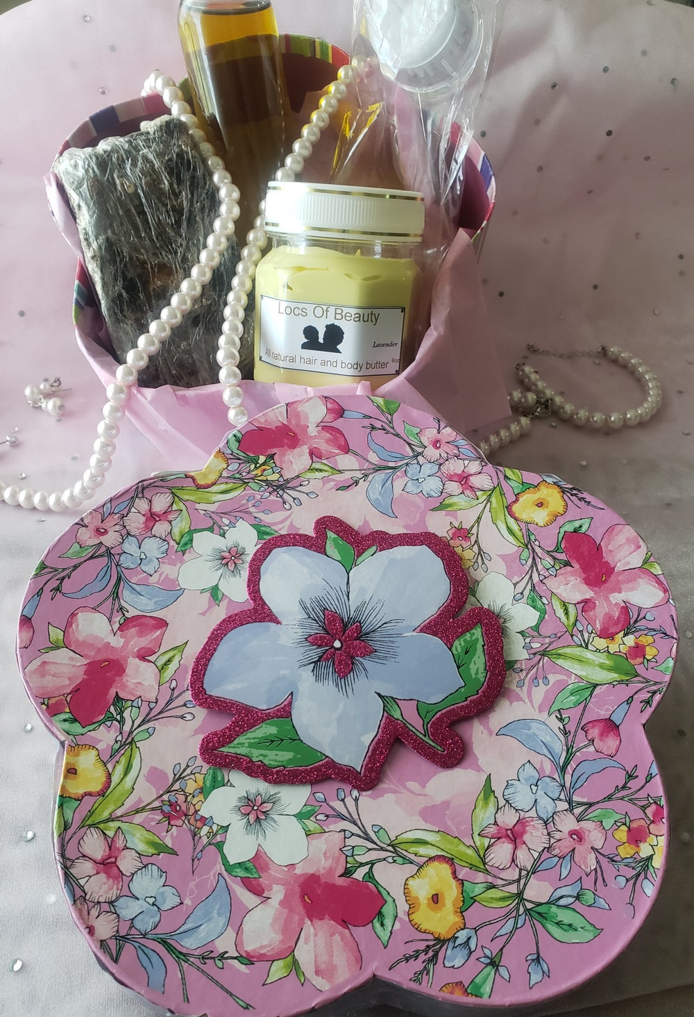 Image of Mother's Day gift set.