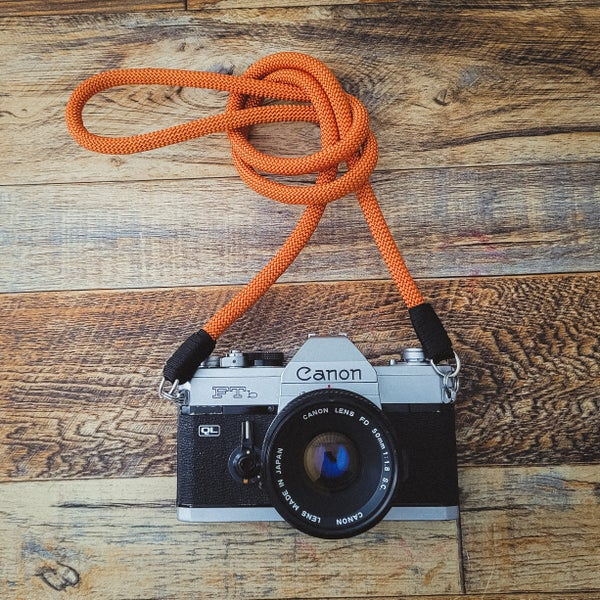 Image of Burnt orange rope shoulder strap w/ split ring attachmentss