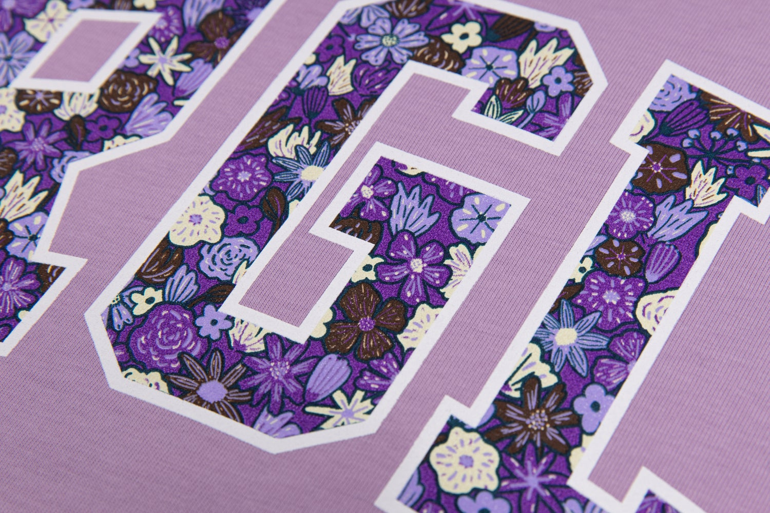 Image of ATR RGLR FLORAL TEE LAVENDER
