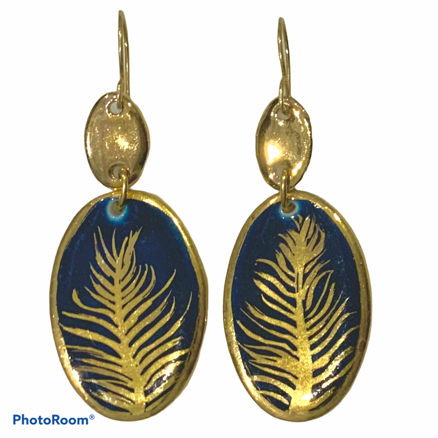 Image of Gold Feather drop (5.5cm)