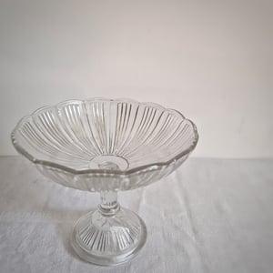 Ancien compotier en verre moulé circa 1900