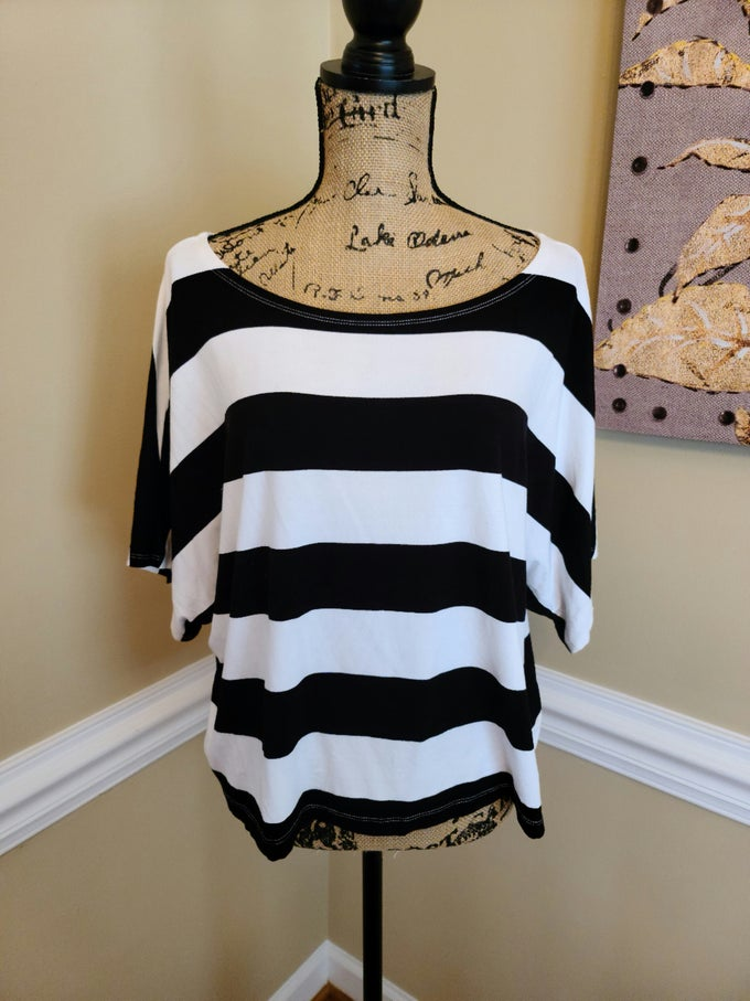 Image of Black/White Stripe Flowy Top
