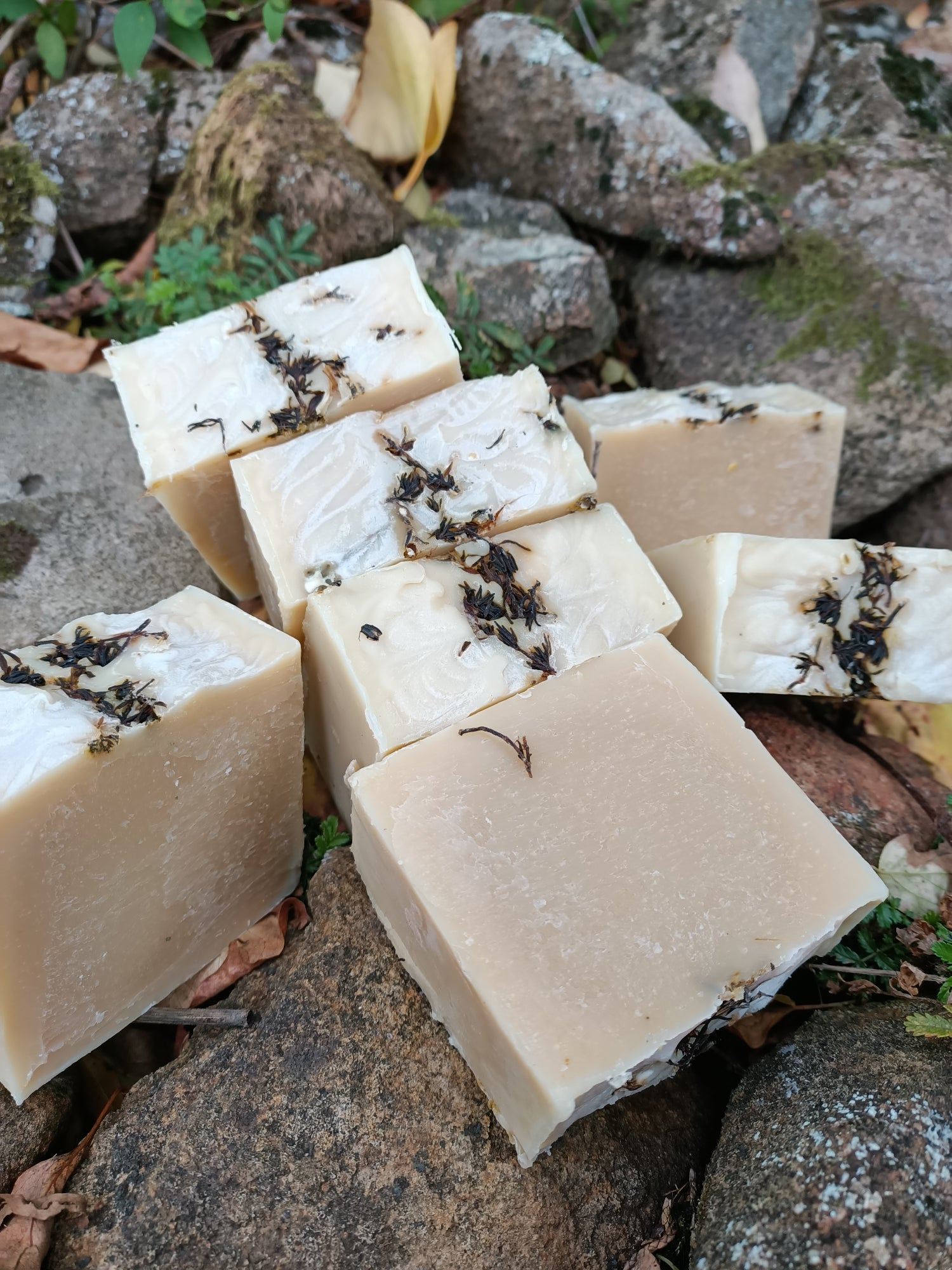 Thyme honey and witch hazel facial soap
