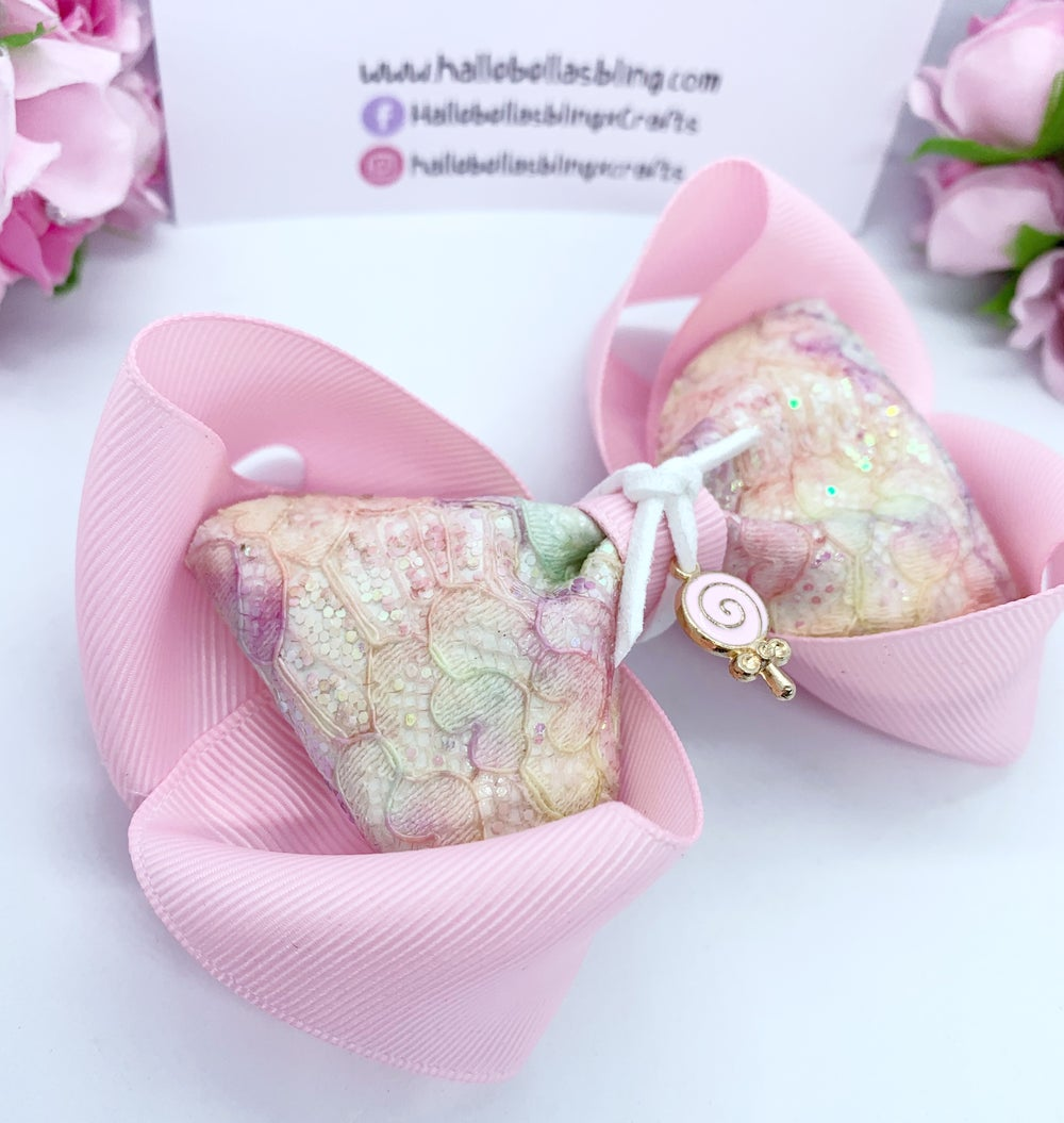 Image of Lollipop charm bow
