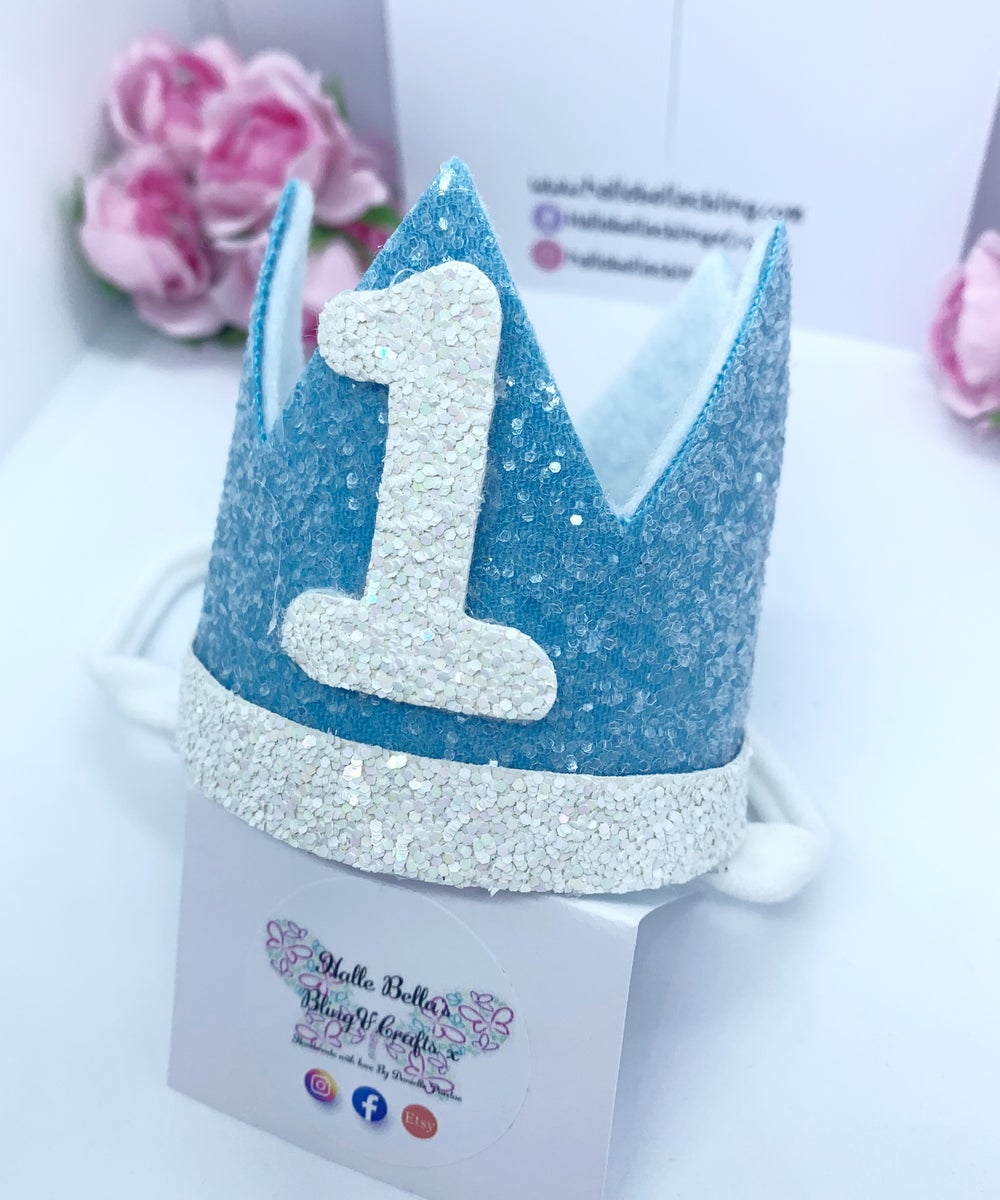 Image of Baby blue and white Birthday crown