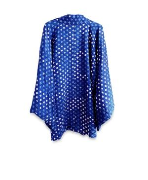 Image of Blå kort kimono af silke med prikmønster