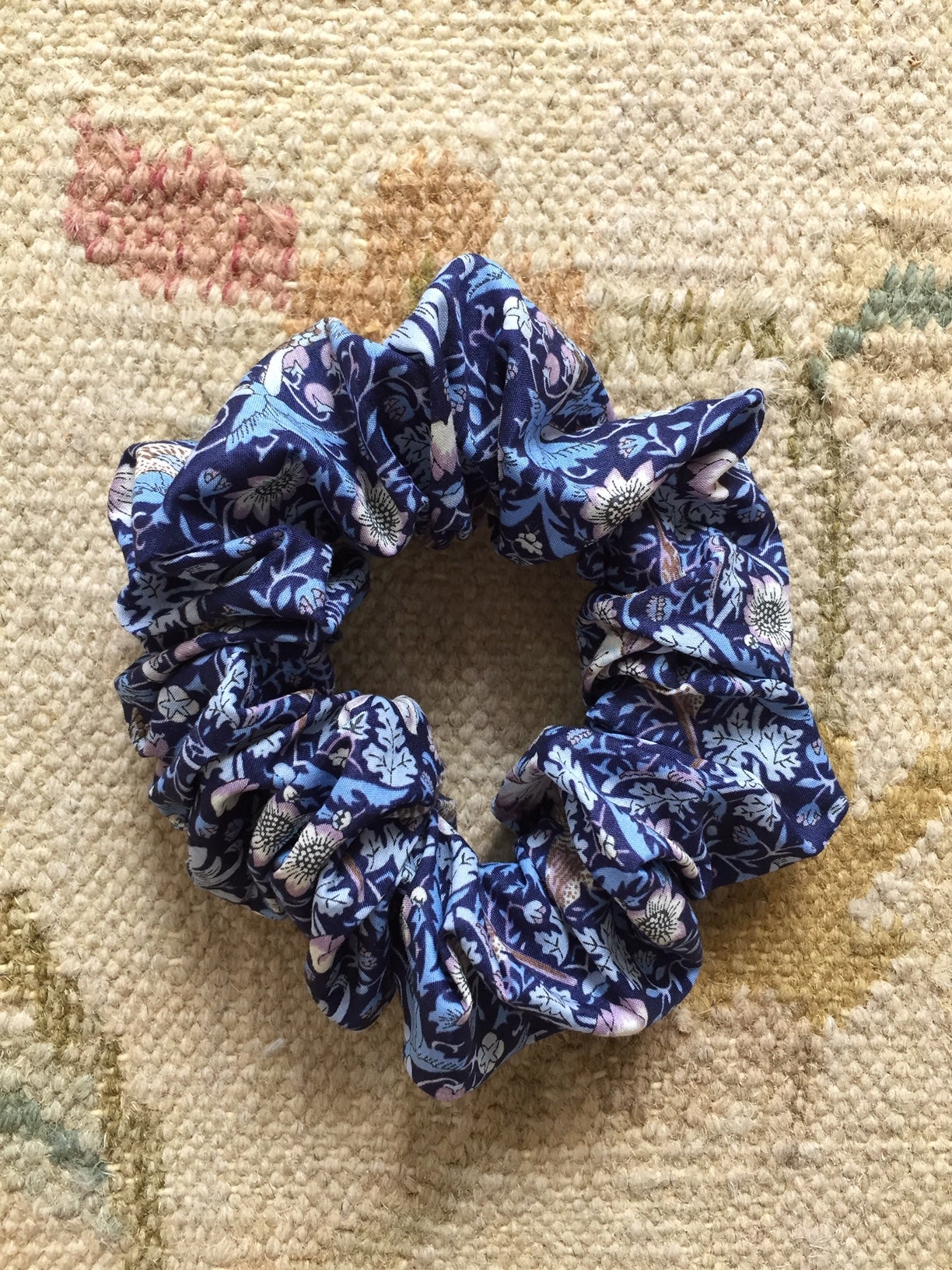 Image of Scrunchies * Birds and strawberries * Blue