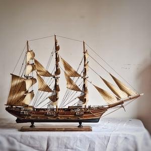 Belle ancienne maquette de bateau en bois circa 1950
