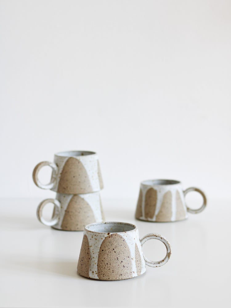Image of short mug (matt white drips)