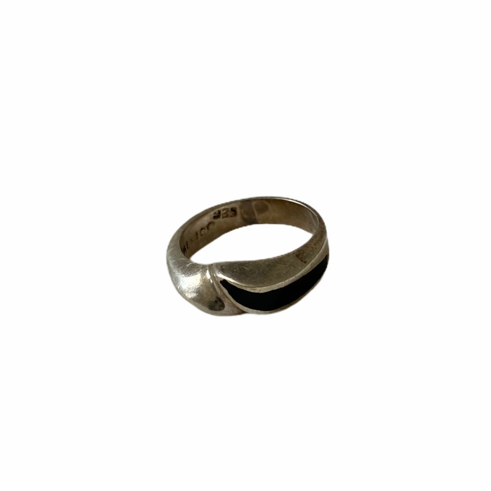 Image of SILKBLEND   VINTAGE MODERNIST BLACK ENAMEL MEXICO RING