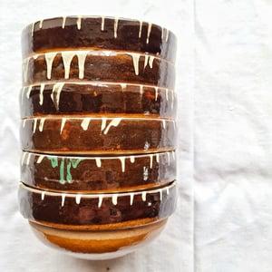 Série de 6 bols en céramique artisanale fond brun