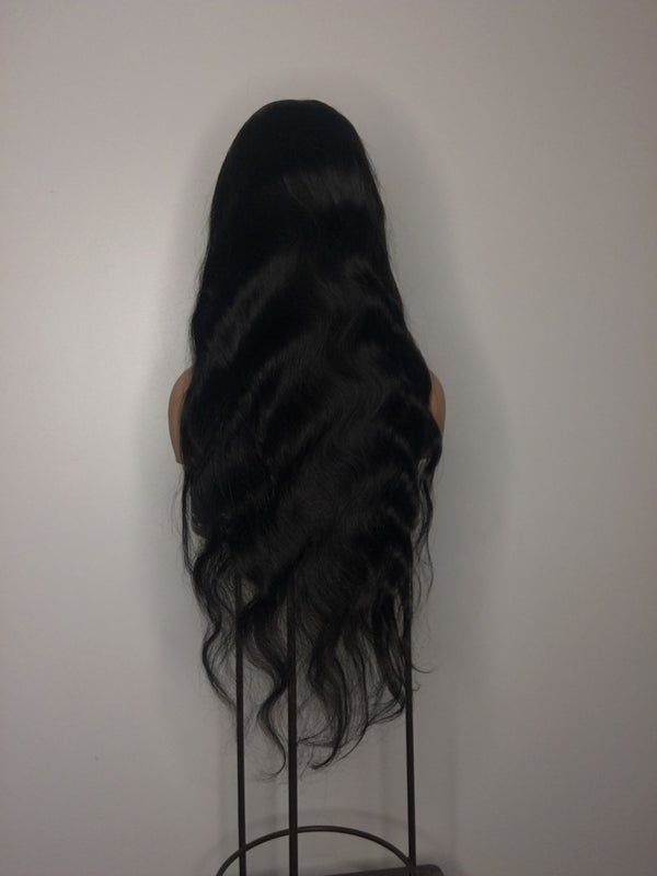 """Image of 24"""" 4.4 Bodywave closure wig"""
