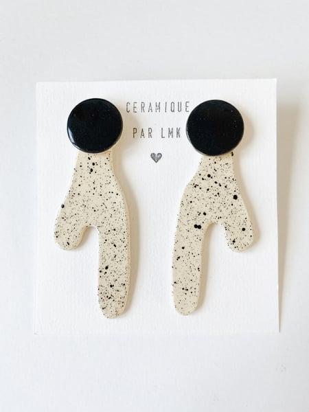 Image of Paire de boucles d'oreilles céramique ARTY noir *