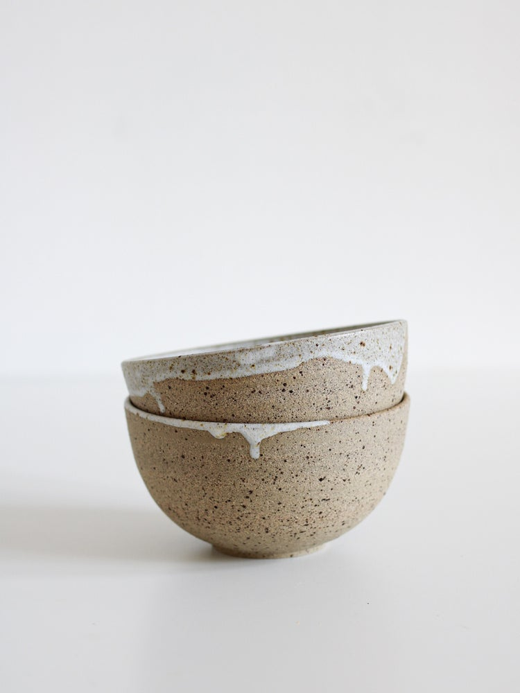 Image of medium bowl (small drips)