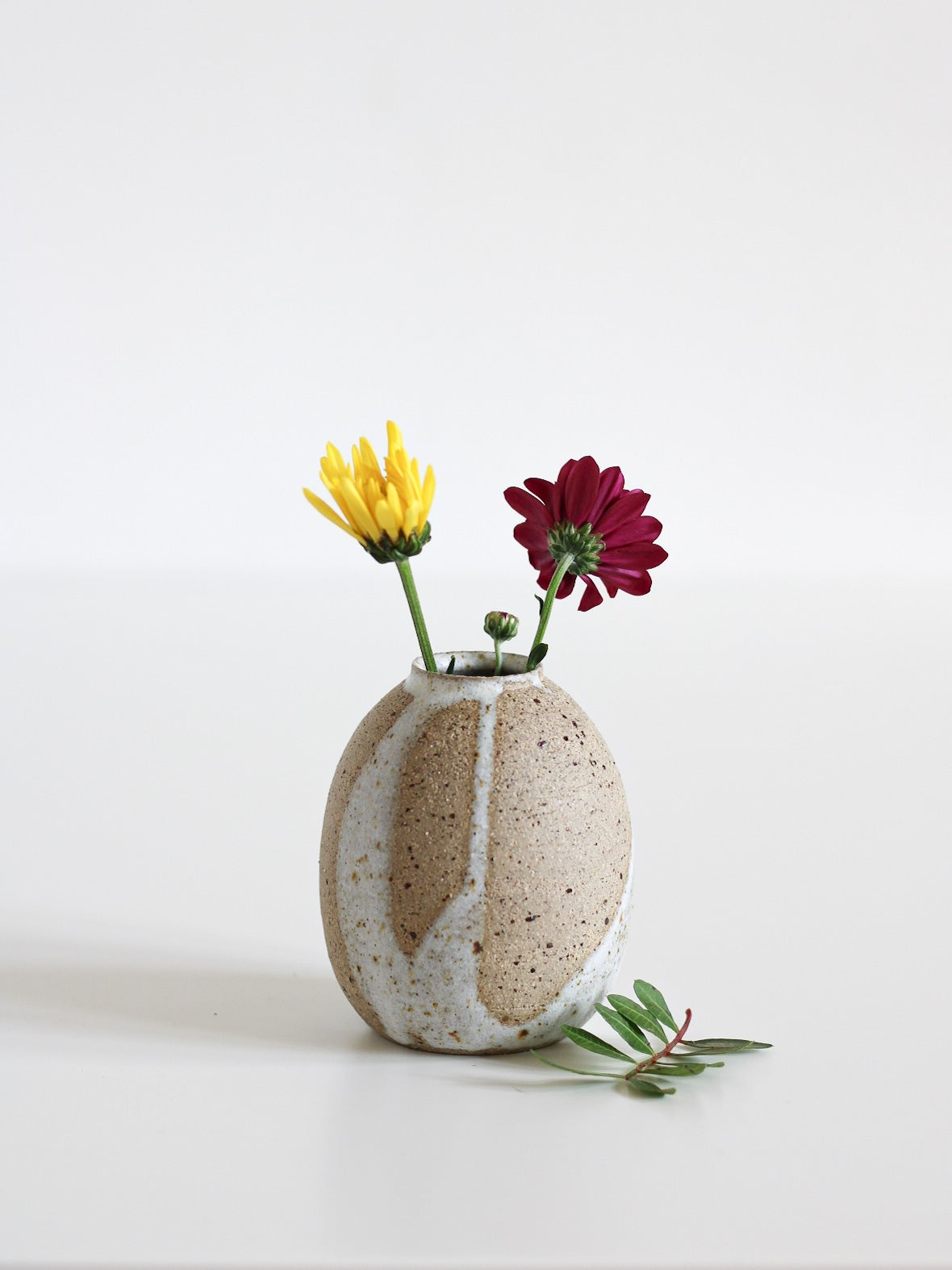 Image of small vase 07