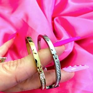 "Image of LV ""Lavish"" Bracelet"