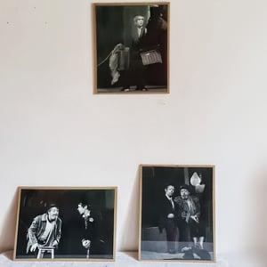 Ancienne photographie de clowns N&B 30x40 cm (3)