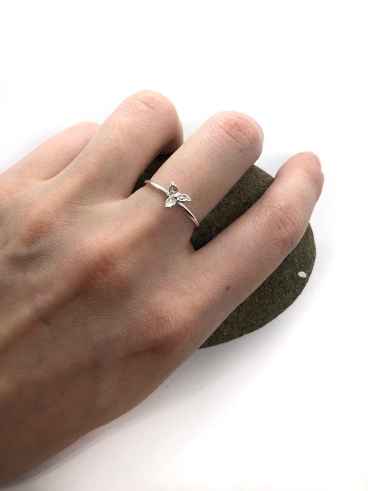Image of Trillium Ring