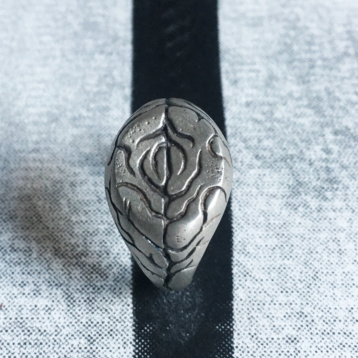 Image of THE SIGNET RING - MATTE