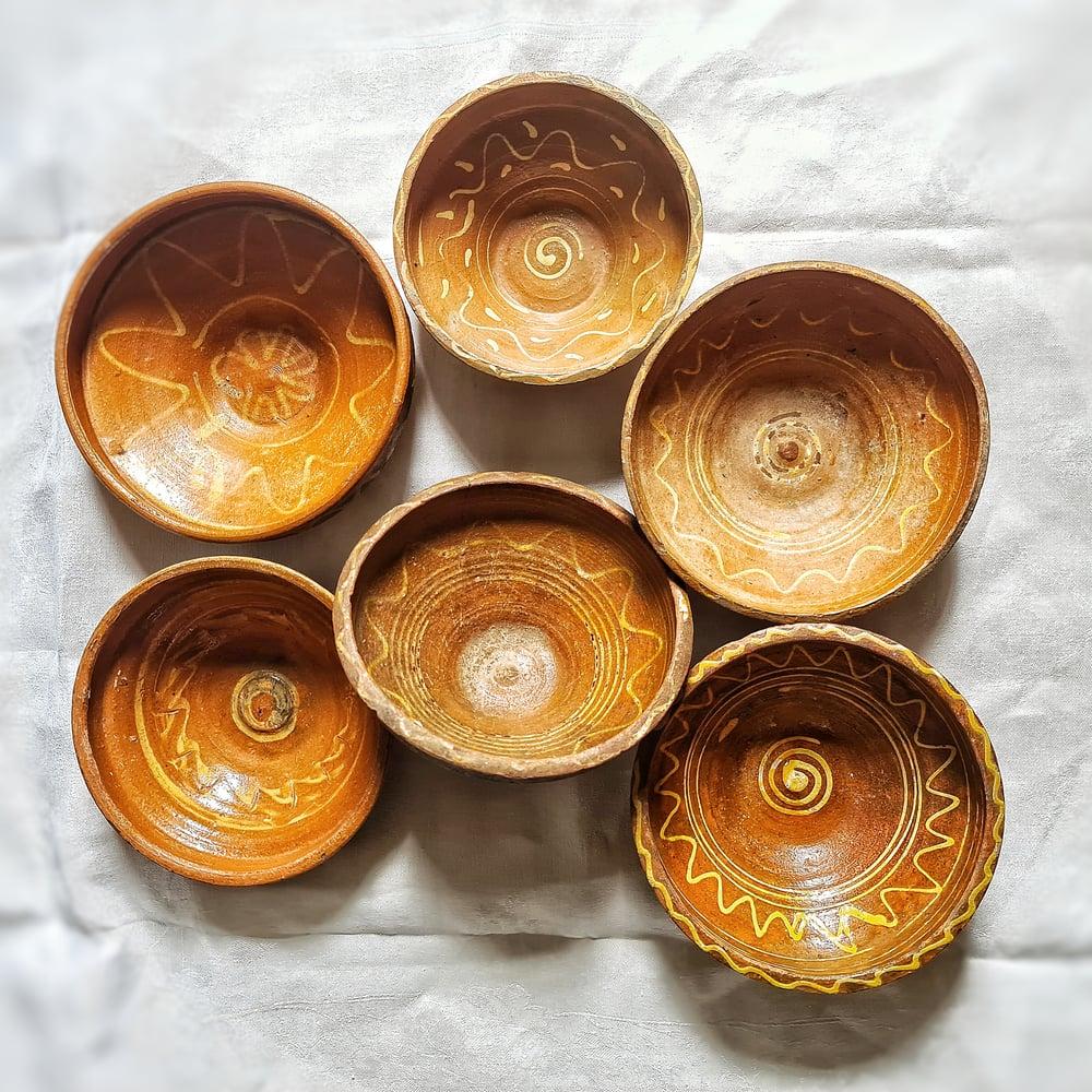 Ensemble de 6 bols anciens en terre cuite Roumanie