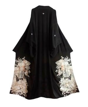 Image of Sort Silke kimono med peoner og vandfald mm.