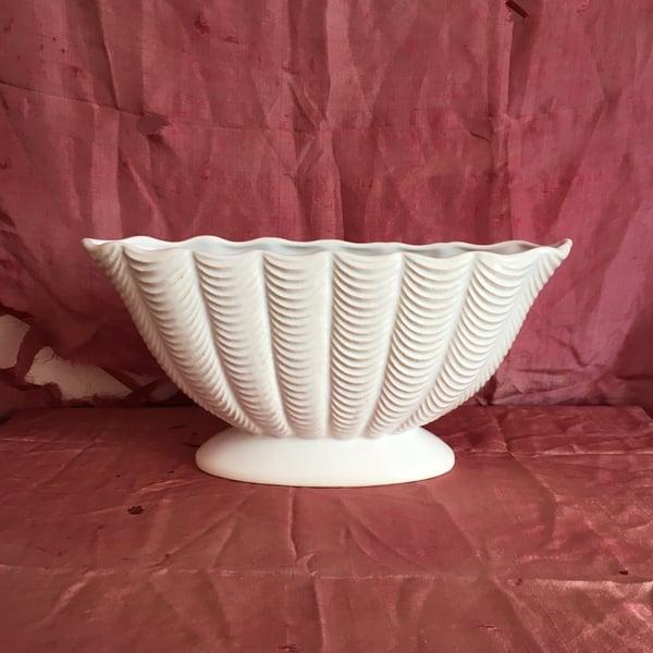 Image of Dartmouth ripple Mantle vase