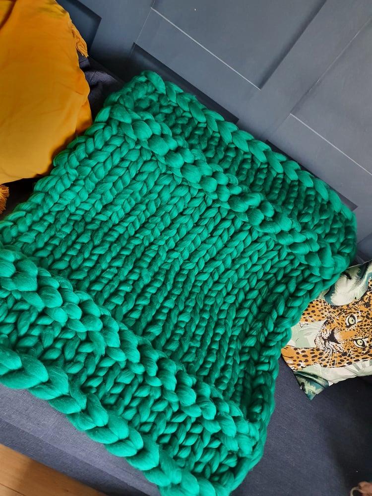 Image of Green chunky wool blanket