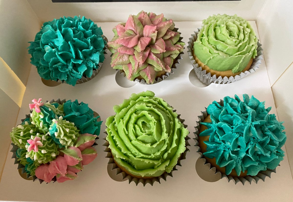 Image of 6 pack Cupcakes