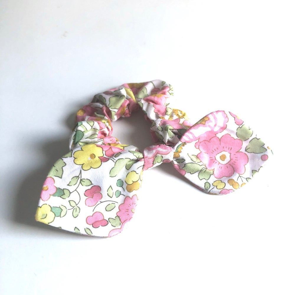 Image of Liberty Knot Tie Bow Scrunchie #1