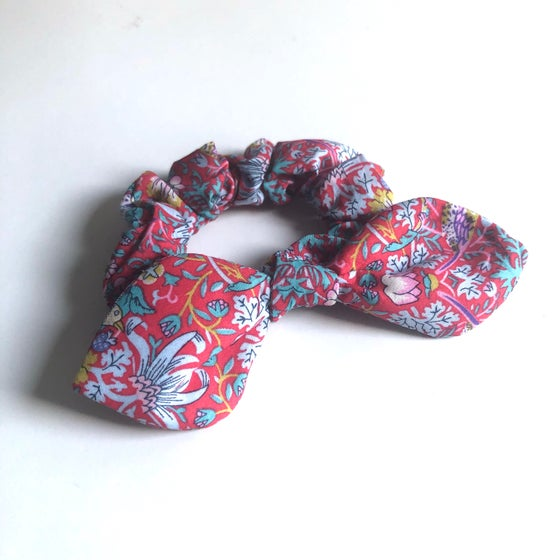 Image of Liberty Knot Bow Scrunchie #3