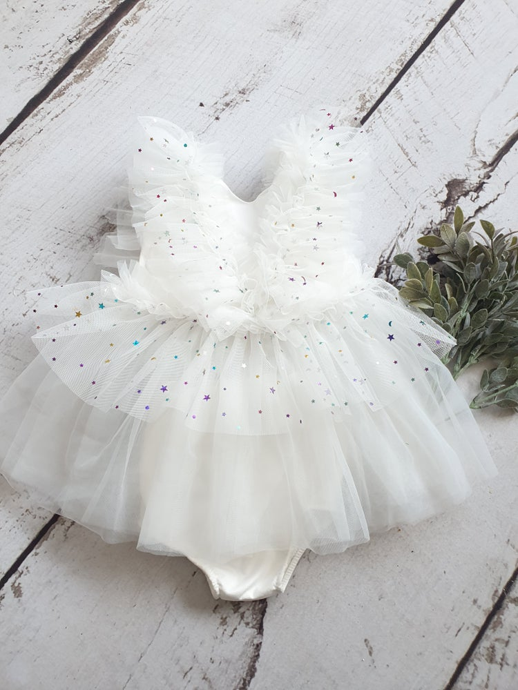 Image of Beautiful white tulle dress. Ready to post