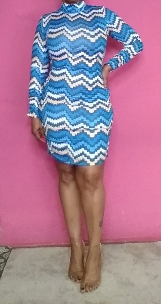 Image of BLUE MIXED ZIGZAG SCRUNCHED ARMS AND SIDE DRESS